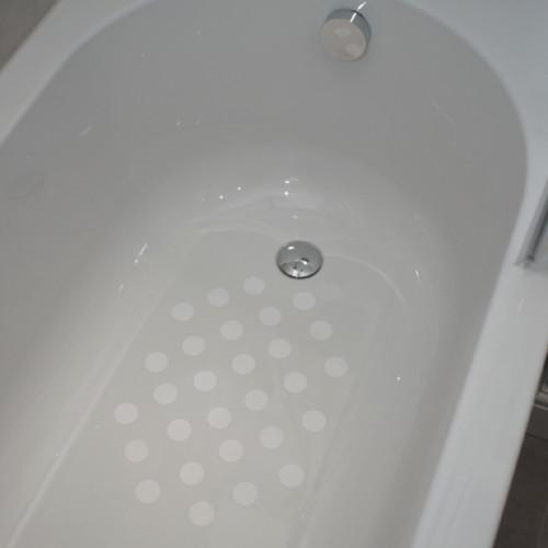 non-slip-bath-circles-on-bath