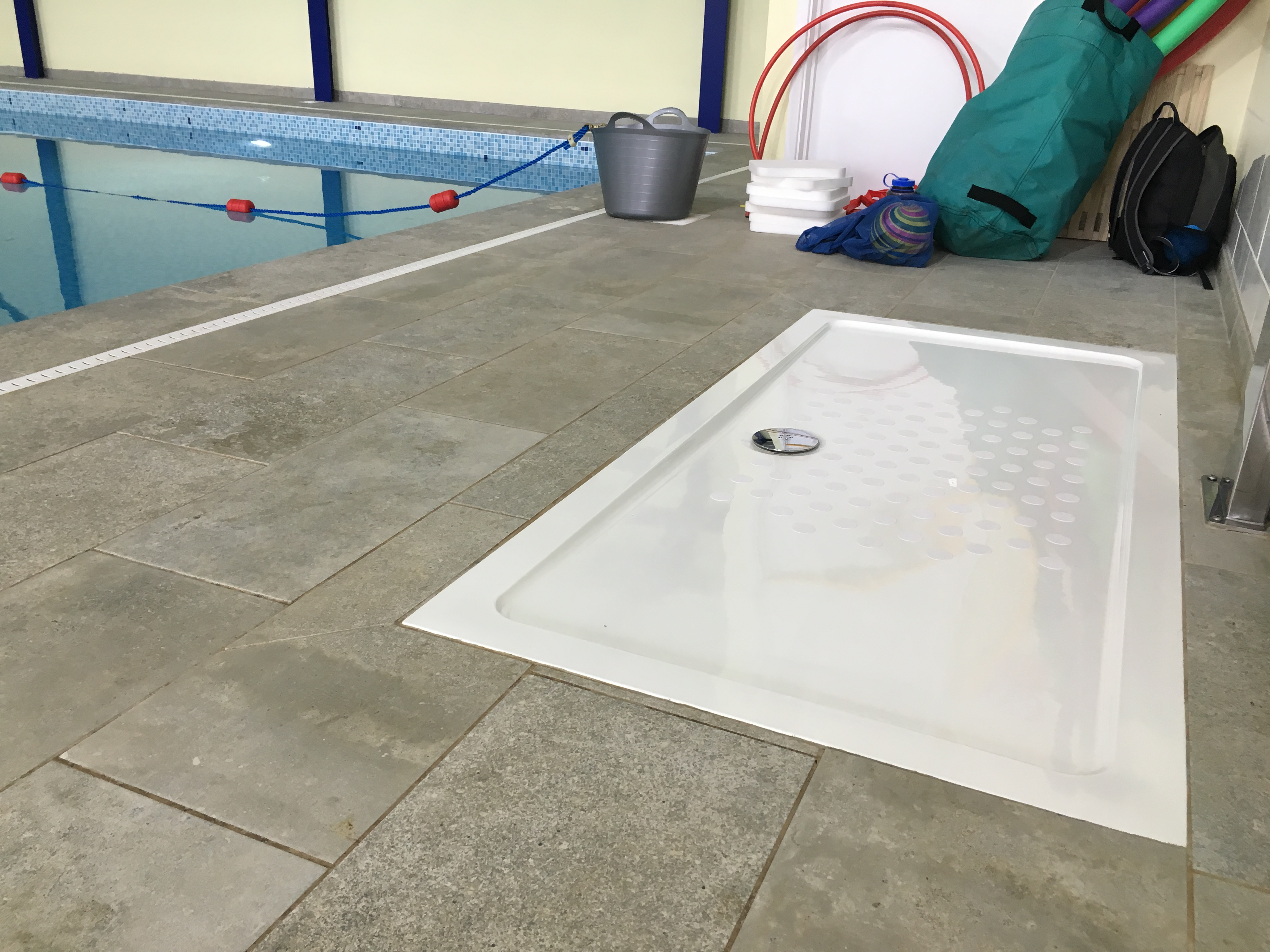 Swimming Pool Showering : Safer showers at swimming pool non slip bath